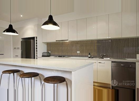Rückwand & Spritzschutz aus Glas für Küche - Küchenrückwand nach Maß mit Wunsch-Motiv & Beleuchtung