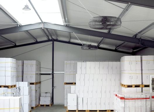 03.312 Industrie-Deckenventilator für die Hallenheizung. Warmluft-Rückführung bis 20m Hallenhöhe, Schutzart IP54
