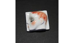 Porzellan-Broschen