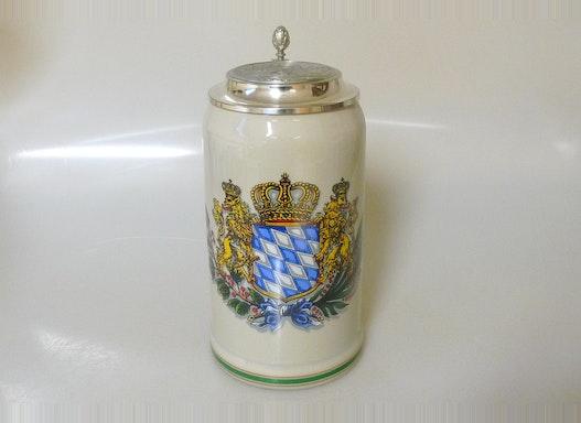1,0l Bierkrug  bayrisch glatt grau mit Motiv Bayernwappen und Prägezinndeckel