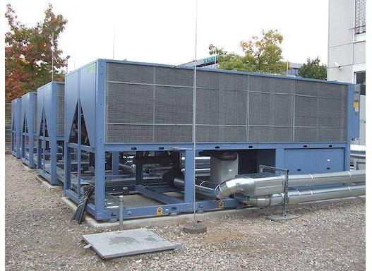 Kaltwassersätze mit integrierter Freikühlung