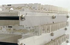 Front- und Leiterplattenständer