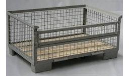 Gitterbox halb hoch mit kleiner Klappe auf der Langseite