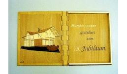 Holzbuch mit Glückwunsch
