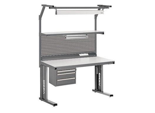 Arbeitstisch Viking Comfort Set 3, 1500x700 mm mit Beleuchtung und Lochplatte