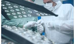 Optische Komponenten und Systeme aus Kunststoff