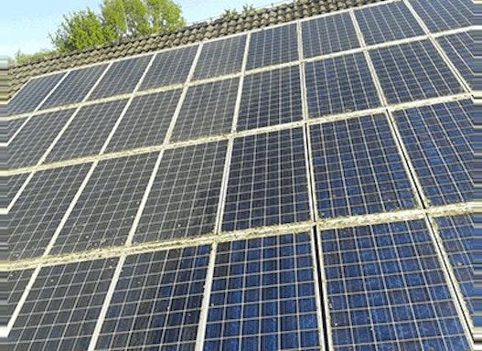 Photovoltaik Anlagen  Reinigung 