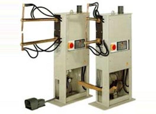 Punktschweissmaschine in Schwinghebelausführung pneumatisch und fussbetätigt