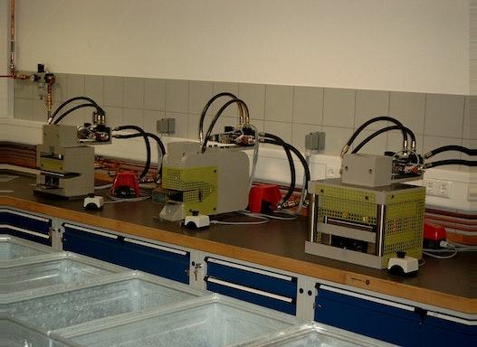 Hydraulische Stanzwerkzeuge   Hydro-Pneumatische Stanzwerkzeuge
