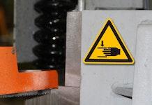 Warnzeichen, Warnschilder