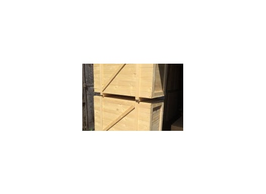 Holzkisten, Verschläge, Gestelle