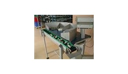 LB100 Förderbandsteuerung sn.:_/_ und Sortiertisch mit Förderband: Manueller Tisch b=1200mm, t=500, H=1020+/-20 5 Baute