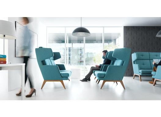 NOVEMBER Loungestühle und Loungesessel
