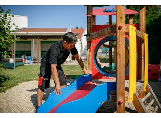 Sicherheitsüberprüfung von Spielplatzgeräten