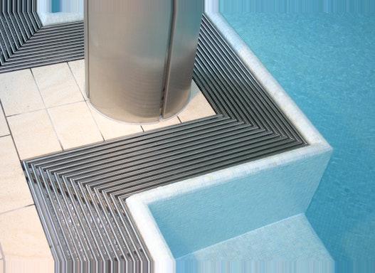 Schwimmbadroste für Überflutungsrinnen