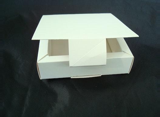 Hohlrahmen-Schachtel mittel