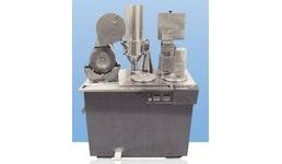 Der Semi–Automat ist eine Halbautomatische Kapsel–Füllmaschine