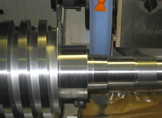 CNC-Rundschleifen zwischen Spitzen